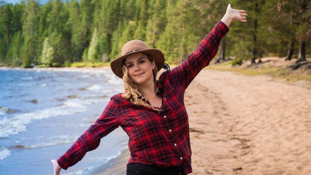 beach finland roadtrip girl