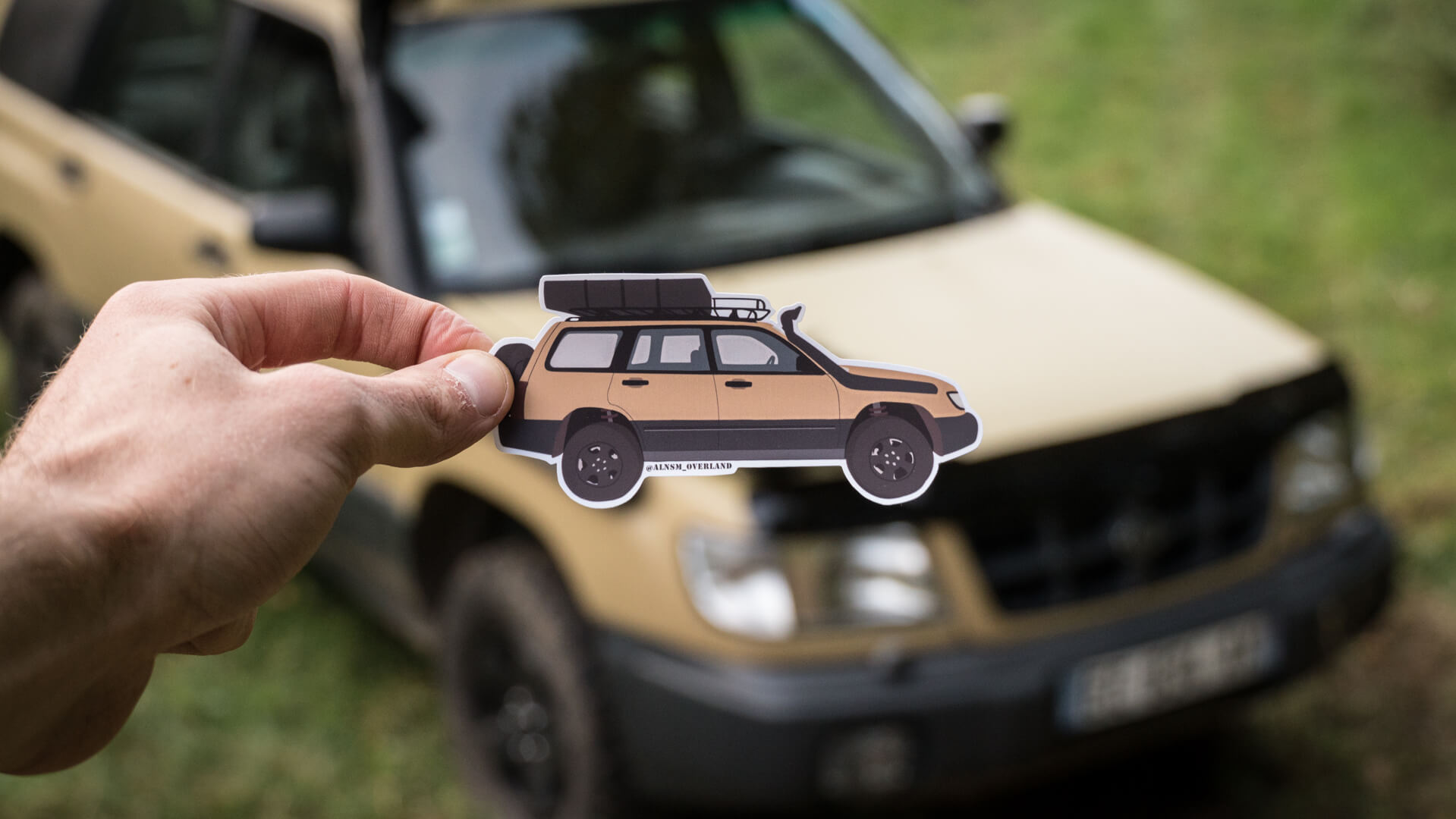 tactifoz-sticker-in-front-of-subaru-forester